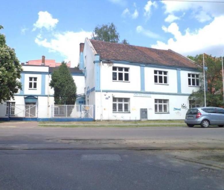 Na początku sierpnia komornik w Toruniu licytować będzie wyposażenie znanego gabinetu stomatologicznego przy Szosie Chełmińskiej 84/86. Niestety, firm