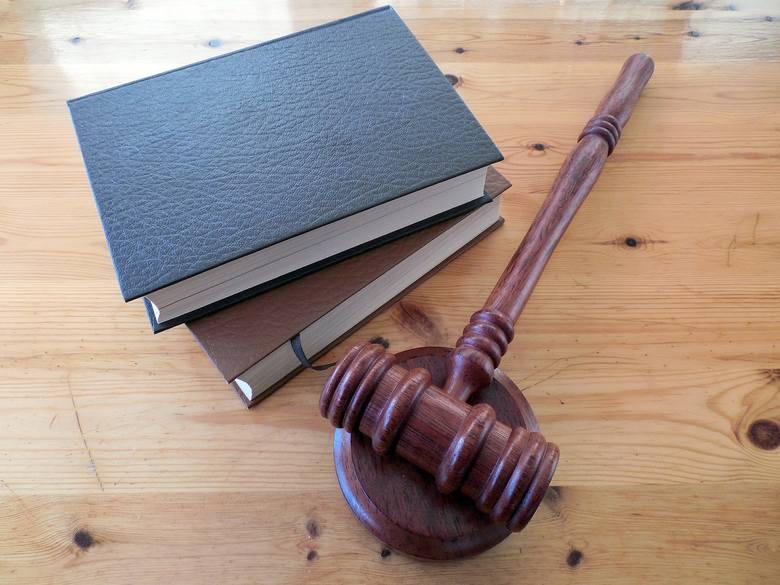 Podajemy harmonogram bezpłatnych dyżurów prawniczych we wrześniu. Zobacz, w jakie dni tygodnia otrzymasz określoną pomoc. Informacje na kolejnych sl