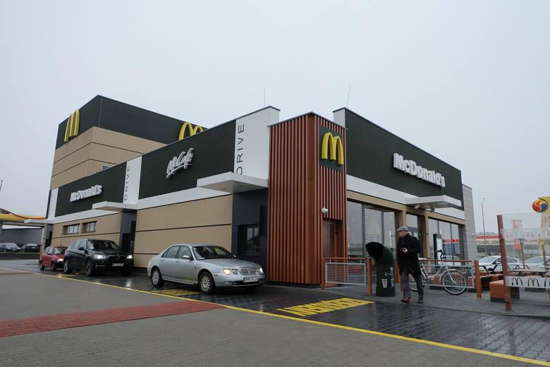 W Białymstoku działa już nowa restauracja McDonald's. Obiekt znajduje się przy ul. Produkcyjnej 97. To piąta już restauracja tej sieci w Białymstoku
