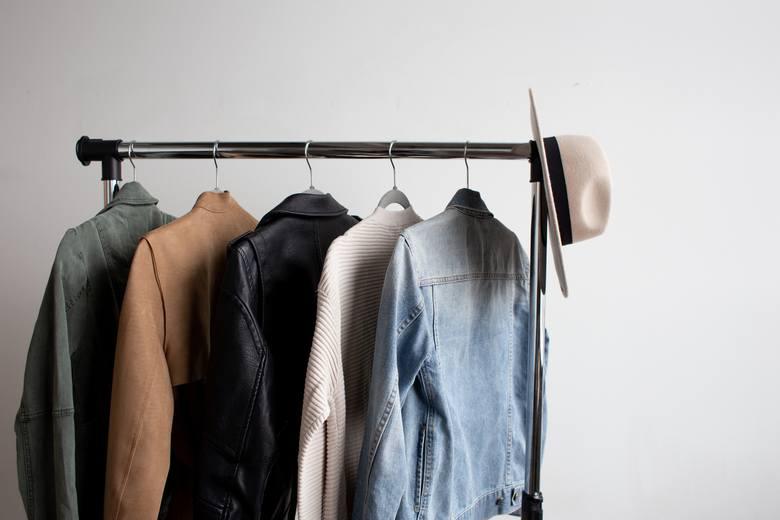 Paradoksalnie trudniej ubierać się do firmy, w której sposób ubierania się pozostawiony jest w rękach pracowników. Brak oficjalnego dress code'u nie
