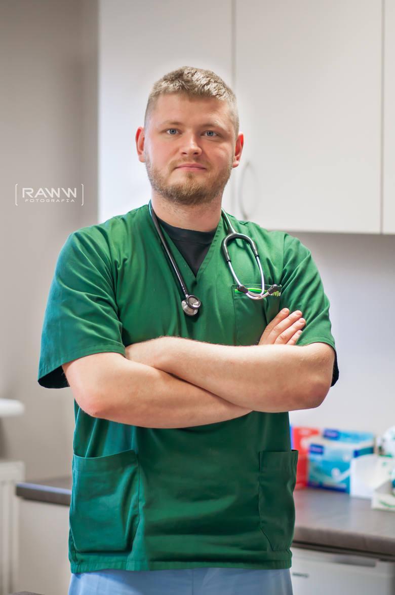 """- Koronawirusy """"zwierzęce"""" są odmienne od """"ludzkich"""", nie ma między nimi żadnego powinowactwa.  Pies nie może więc zarazić koronawirusem człowieka, a człowiek psa – mówi Piotr Łoś, lekarz weterynarii z Gorzowa Wlkp."""