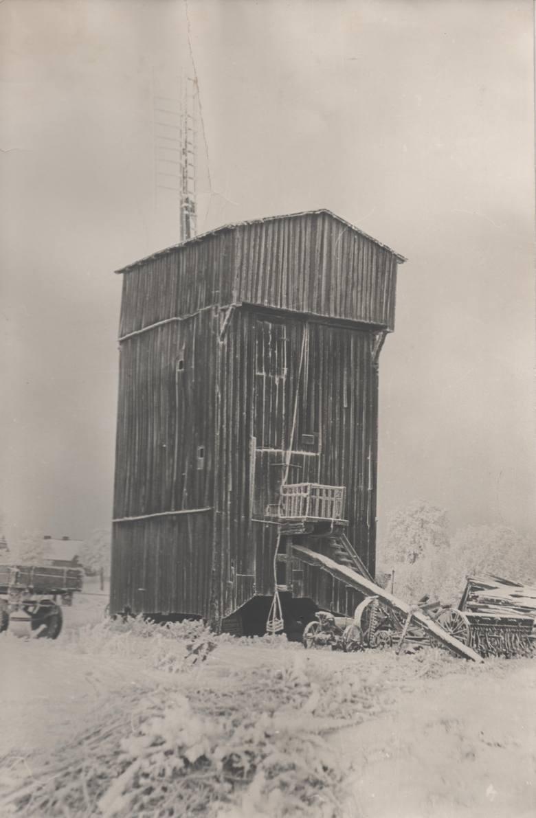 Wiatrak będący własnością rodziny Walterów pracował do 1958 roku pod okiem ostatniego młynarza z rodu - Władysława. Nieużywany popadał w ruinę, jak dziesiątki innych wiatraków w Kujawsko-Pomorskiem