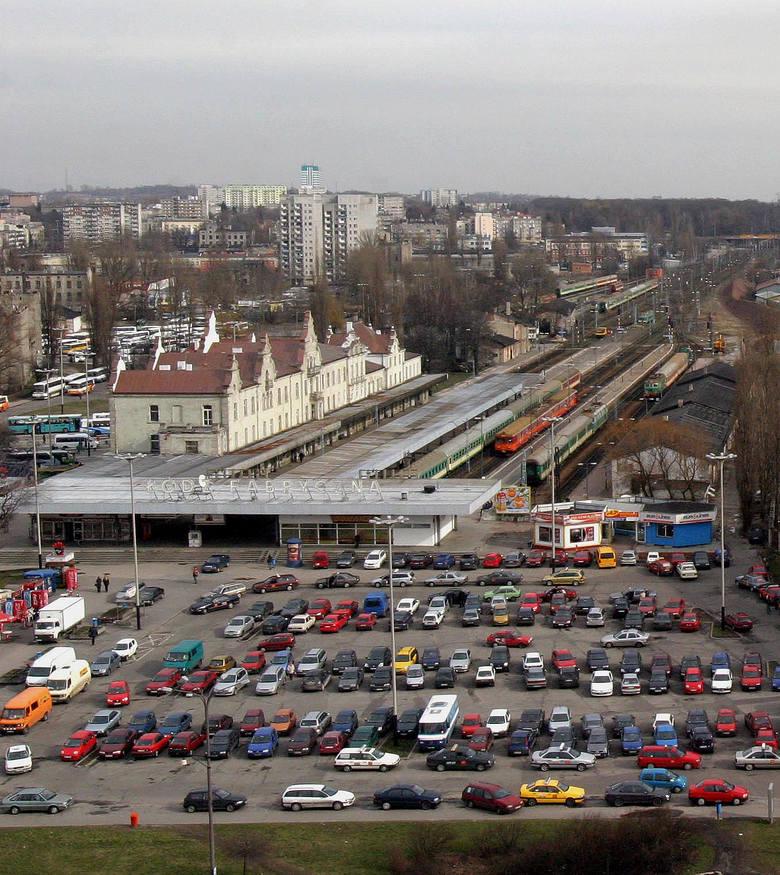Smutna historia neonu z Dworca Łódź Fabryczna