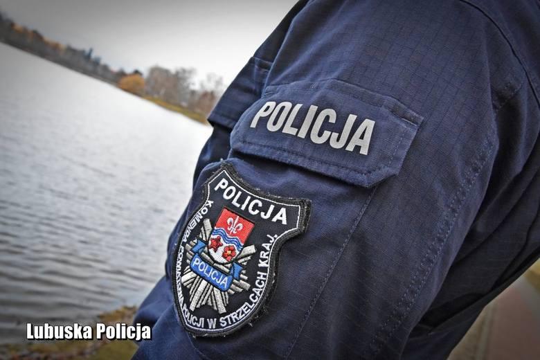 Lubuska policja, policjanci ze Strzelec Krajeńskich uratowali topiącego się mężczyznę