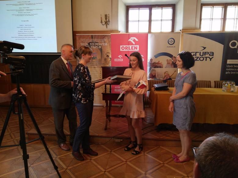 Uczennica ZS w Budach Głogowskich z I miejscem w międzynarodowym konkursie!