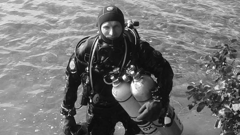 Młodszy chorąży Sebastian Marczewski ze Stalowej Woli zginął przygotowując się do próby bicia rekordu świata w nurkowaniu