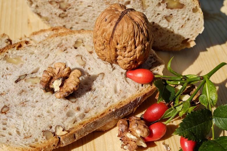 Spożywanie błonnika poprawia samopoczucie, trawienie, pracę jelit i układ odpornościowy