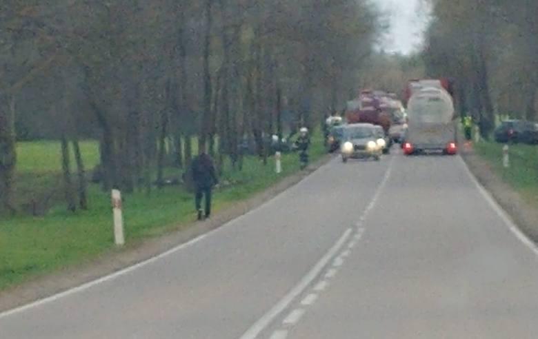 Ploski. Wypadek na DK 19. Trzy osoby, w tym dwoje dzieci, trafiły do szpitala
