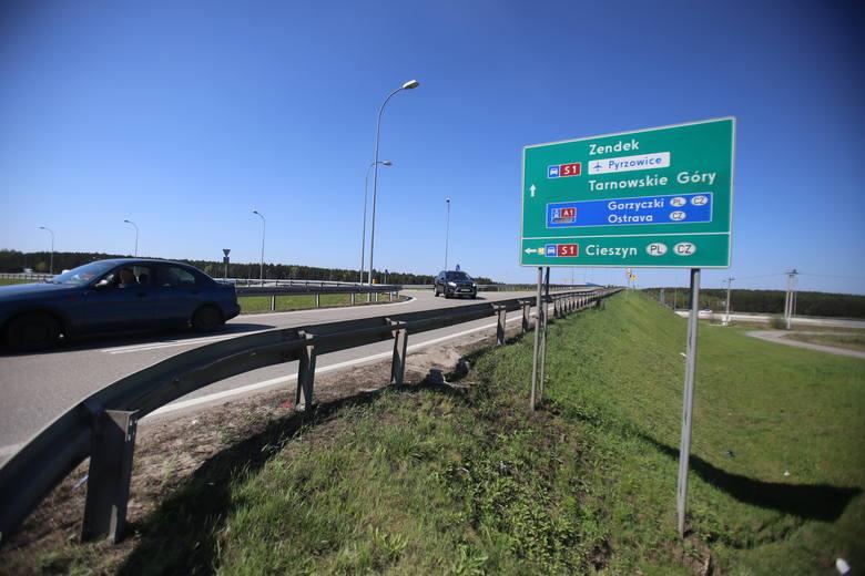 Droga ekspresowa S1 ma połączy lotnisko w Pyrzowicach z granicą Polski w Zwardoniu. Zobacz kolejne zdjęcia. Przesuwaj zdjęcia w prawo - naciśnij strzałkę
