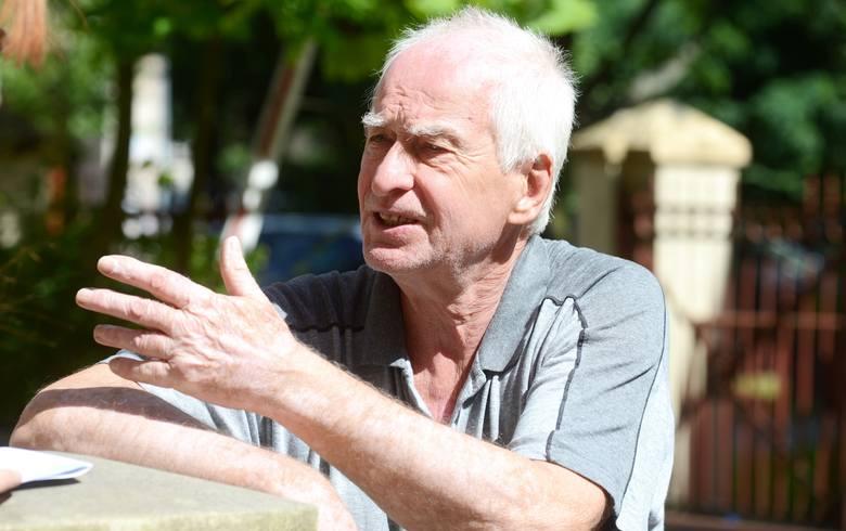 - Dostałem tylko 3 złote waloryzacji. Przecież na raka prostaty chorują przede wszystkim emeryci i renciści. Jak oni mają zapłacić za tę kurację w zastrzykach?!