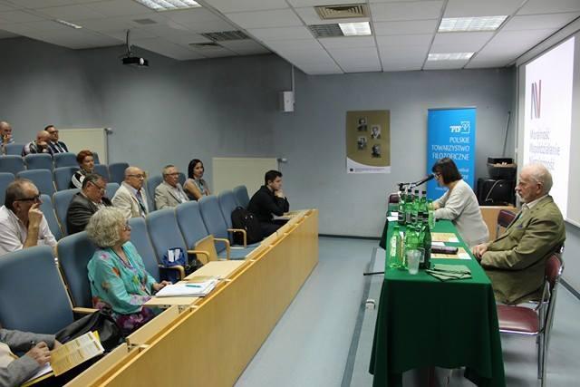 W czasie dwudniowej konferencji uczestnicy przybliżają słuchaczom wyniki badań nad bogatym dorobkiem naukowym Marii Ossowskiej