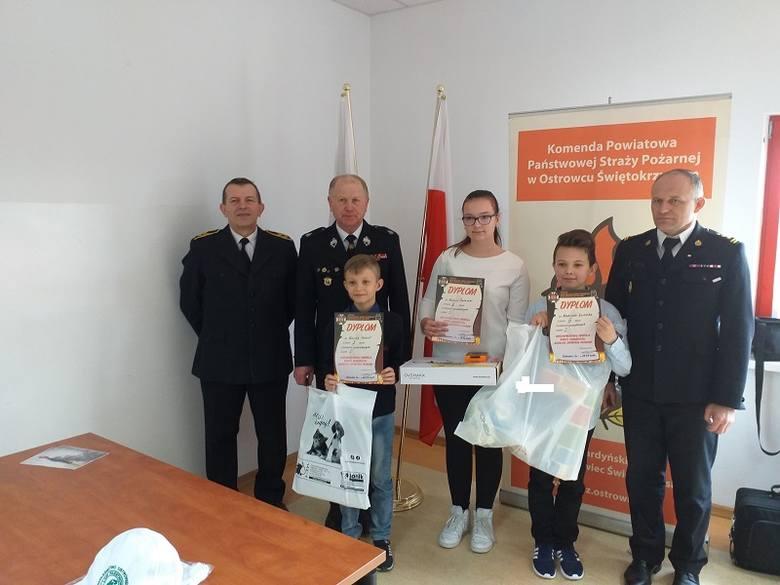 Młodzież zapobiega pożarom - uczniowie z powiatu ostrowieckiego w etapie wojewódzkim konkursu [ZDJĘCIA]