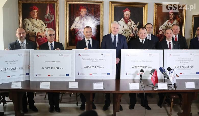 Minister Gowin przywiózł duże pieniądze dla szczecińskich uczelni