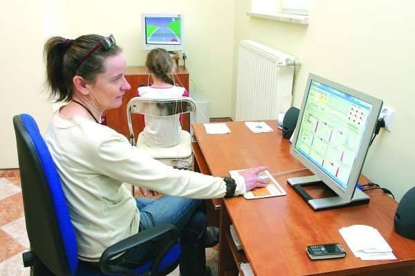 Dr Urszula Węgrzycka, specjalista neurolog dziecięcy poleca jako jedną z metod leczenia zaburzeń snu u dzieci terapię EEG Biofeedback