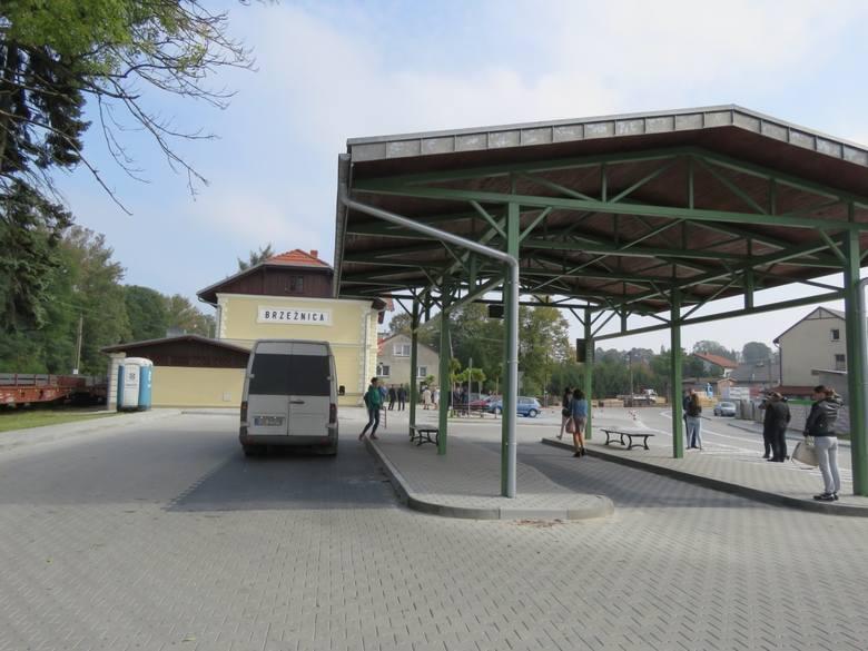 Dworzec autobusowy w Brzeźnicy