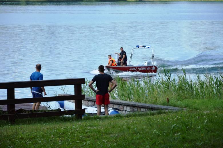 Akcja poszukiwawcza nad jeziorem Jeleń w Bytowie.