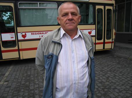 - Nie zgadzamy się na zamrożenie naszych płac - mówi Zbigniew Bednarski, główny organizator protestu.
