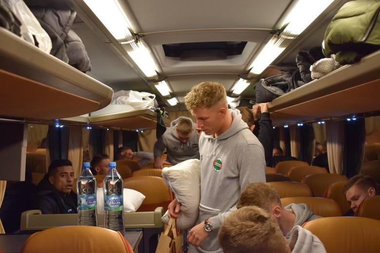 Piłkarze Radomiaka Radom w piątkowe popołudnie udali się w podróż na zagraniczne zgrupowanie do włoskiej miejscowości Villa Franca di Verona. Zieloni