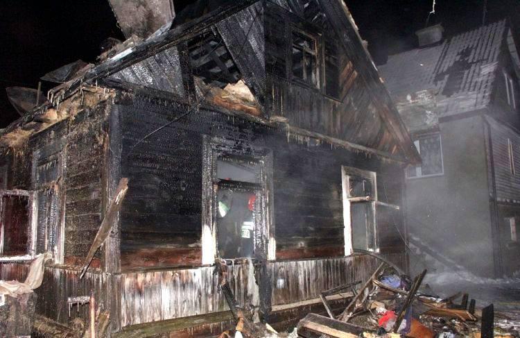 Wólka. Tragiczne ofiary pożaru. Syn ratował matkę. Obydwoje zginęli (zdjęcia)
