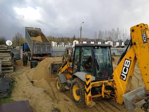 Trwają prace nad budową przedszkola przy ulicy Leszczynowej w Grabówce. Wykonano już obsypkę i zagęszczanie pod fundamenty. Od tego tygodnia trwa wykonywanie