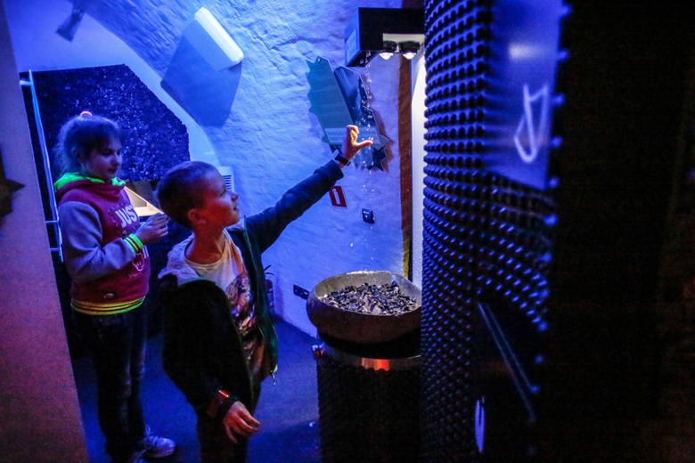 Warszawskie Centrum Nauki Kopernik jest oblegane przez zwiedzających. Bilety trzeba kupować z wyprzedzeniem. Tak samo jest w centrach nauki i parkach technologicznych w Łodzi, Kielcach, Gdańsku.
