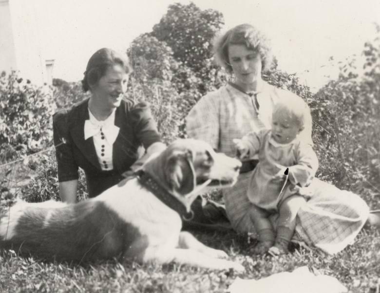 Maria z Wojciechowskich Zarębina (z lewej) ze szwagierką Zofią i synkiem Stanisławem<br />