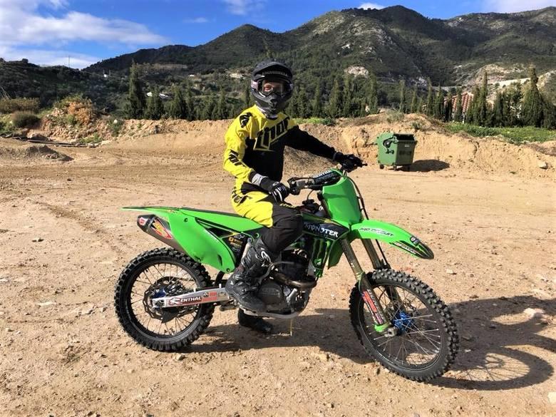 Jacob Thorssell znalazł w Andorze doskonałe warunki do jazdy na motocyklu.
