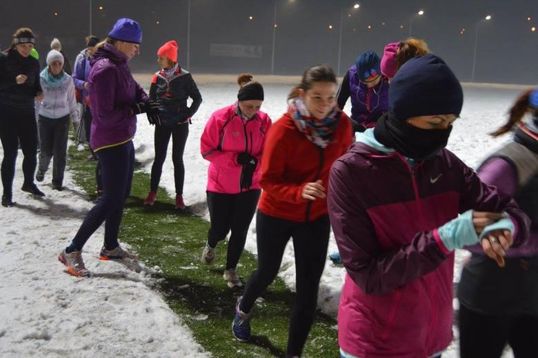 Ruszyły pierwsze zajęcia przygotowawcze dla uczestników III Rudzkiego Półmaratonu Industrialnego. Ani niskie temperatury, ani śnieg nie przestraszyły