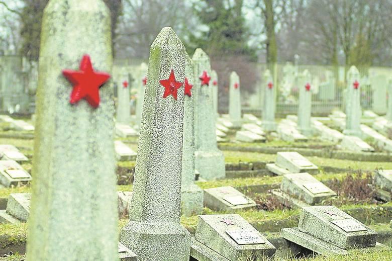 Cmentarz przy ul. Artyleryjskiej. Tu znajdują się groby żołnierzy Armii Czerwonej.