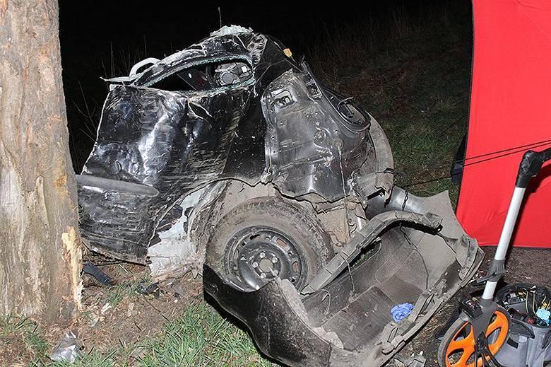 W wyniku wypadku, do którego doszło 6 kwietnia między Rzeckiem a Choszcznem zginęły trzy osoby.