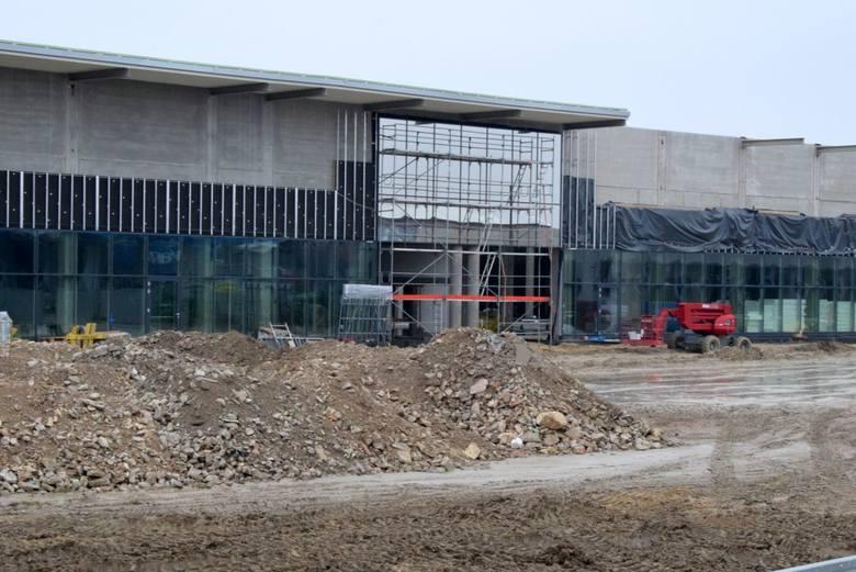 Zobaczcie zdjęcia przedstawiające budowę piątego największego centrum handlowego w województwie oraz największego w południowej części województwa -