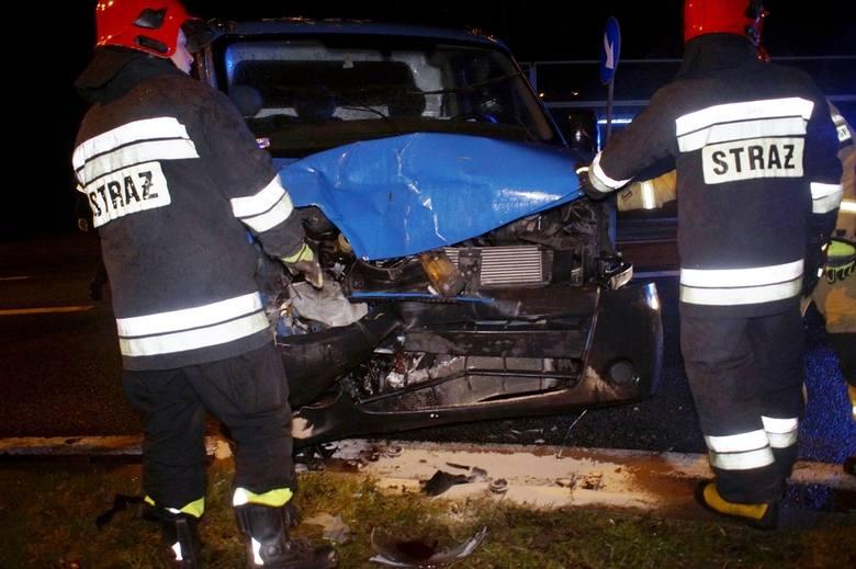 Do groźnie wyglądającego zdarzenia drogowego doszło we wtorek (03.12) wieczorem na obwodnicy Słupska w okolicy węzła w Łosinie.   W zdarzeniu na szczęście