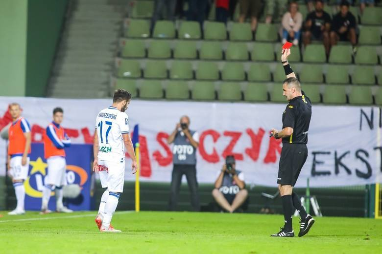 Ostatnie wyczyny Mariusza Złotka, arbitra meczu Lecha Poznań z Rakowem Częstochowa, były szeroko komentowane przez całe środowisko piłkarskie. Wskutek