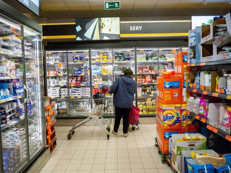 Za wprowadzanie konsumentów w błąd co do kraju pochodzenia warzyw i owoców sprzedawanych w sklepach Biedronka Prezes UOKiK nałożył na Jeronimo Martins