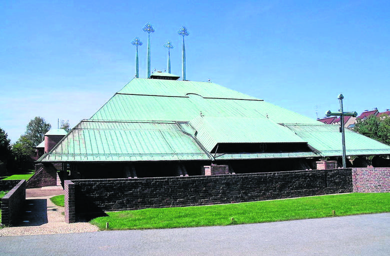 Kościół Świętego Ducha w Tychach (1978) - najbardziej znany projekt Stanisława Niemczyka