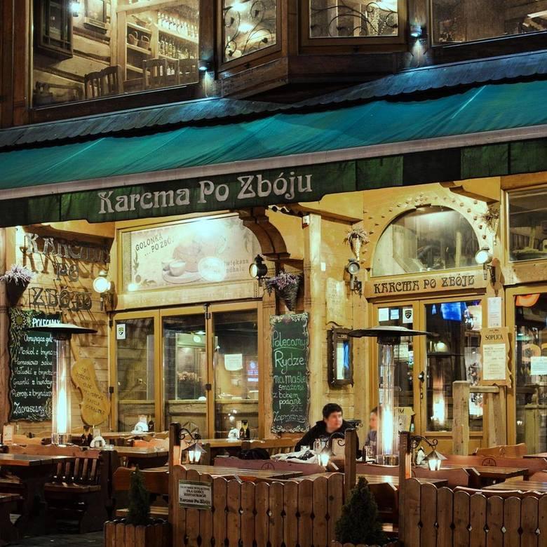To jednak z największych restauracji regionalnej na Krupówkach. Lokal stylizowany jest na wzór góralski. Ściany wykończone płazami ze starych chat góralskich.