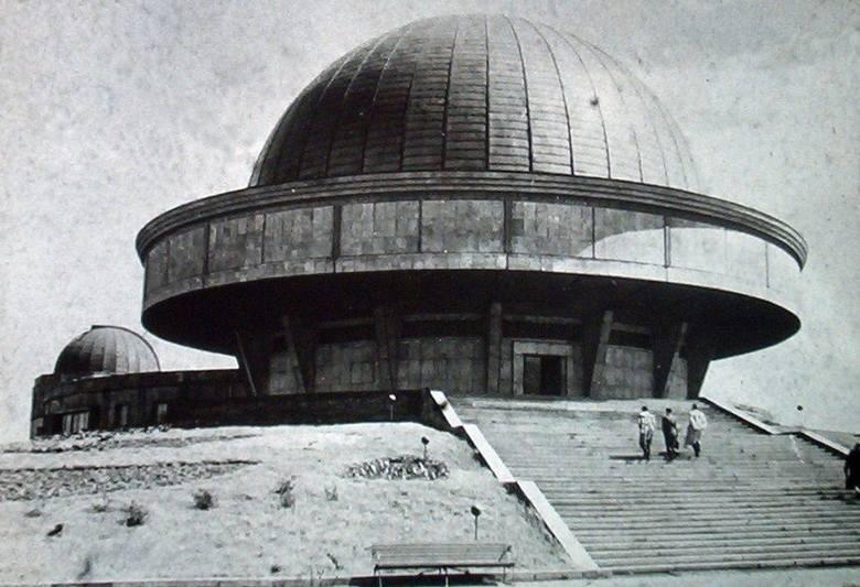 Zobaczcie archiwalne zdjęcia Planetarium Śląskiego!Zobacz kolejne zdjęcia/plansze. Przesuwaj zdjęcia w prawo - naciśnij strzałkę lub przycisk NASTĘP