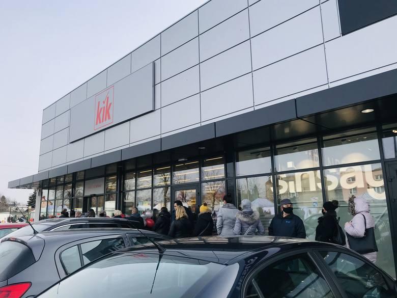 11 marca o 9 rano oficjalnie otwarty został pierwszy sklep Kik w Zawierciu.Zobacz kolejne zdjęcia. Przesuwaj zdjęcia w prawo - naciśnij strzałkę lub