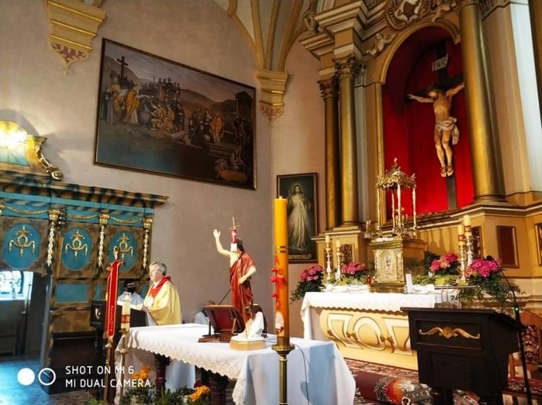 W zabytkowym kościele w Rzgowie rozpoczął się remont ołtarza