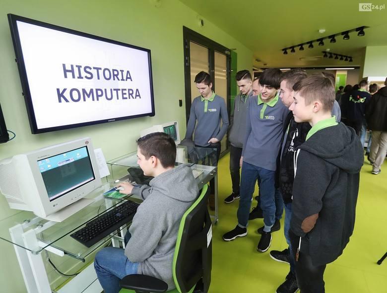 Technopark PomeraniaCyfrowe antyki w TechnoparkuPierwszy notebook, który poleciał w kosmos i jeden z pierwszych przenośnych komputerów AT z zegarem 10