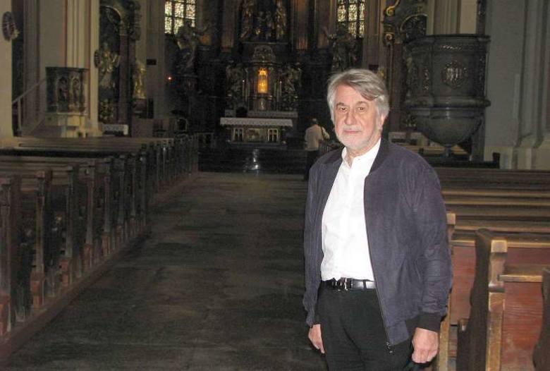 Prof. Ireneusz Płuska w opolskiej katedrze.