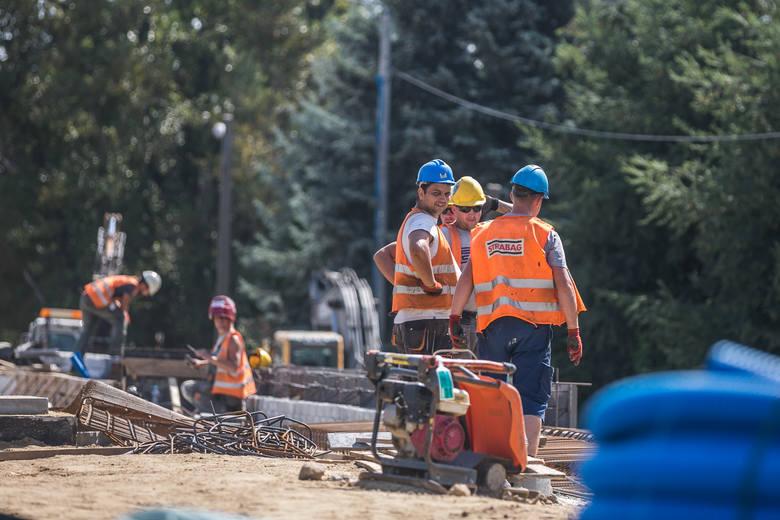 3 na 4 Ukraińców chciałoby pracować w Polsce dłużej niż tylko pół roku, na które pozwala uproszczona procedura zatrudniania.