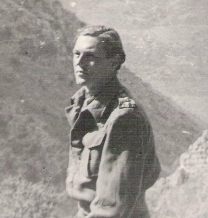 Ekipa, która porwała generała Kreipe. Patrick Leigh-Fermor (siedzi w środku) i Stanley Moss (siedzi z prawej) w otoczeniu greckich kompanów