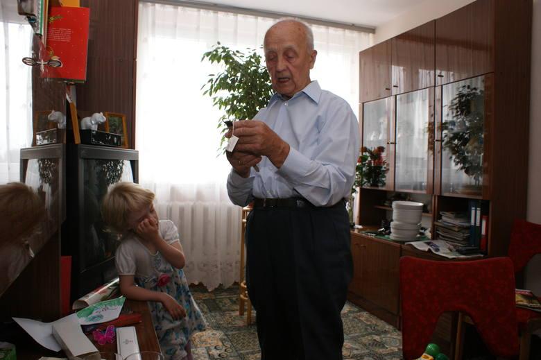 Starszy mężczyzna w wypadku zgubił zegarek. Odzyskał go dzięki naszemu Czytelnikowi (ZDJĘCIA)