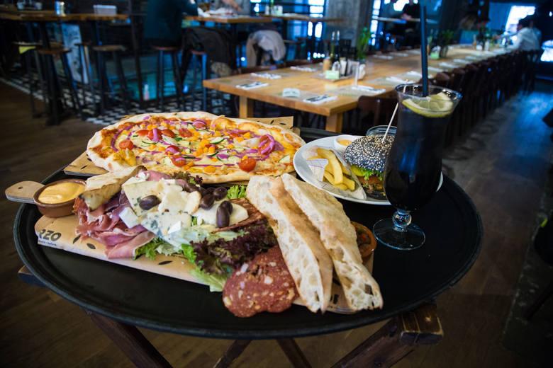 Najczęściej zamawiamy pizze. Wygrywa ceną i różnorodnością smaków.