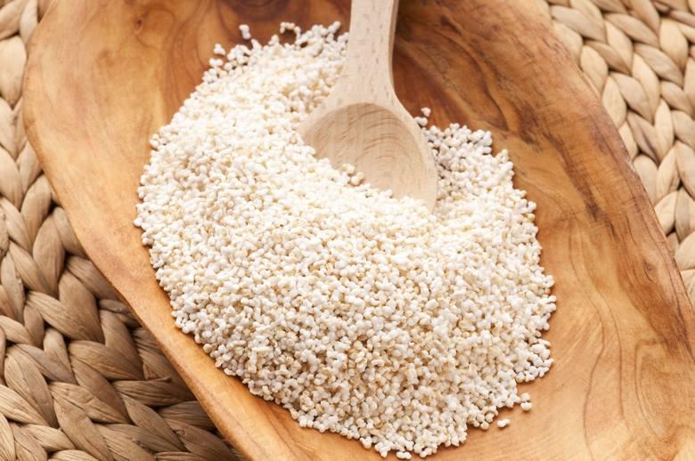 65 mg magnezu/100 g ugotowanego(suchy: 248 mg/100 g)W tej samej porcji:▪ komosa ryżowa: 64 mg (sucha: 197 mg)▪ kasza gryczana: 51 mg (sucha: 231 mg)▪