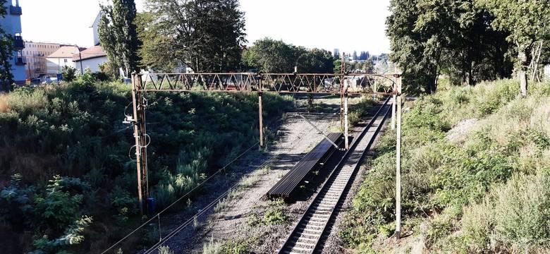 Szczecińska Kolej Metropolitalna: po rozbiórce toru na placu budowy zapadła cisza. Co dalej?