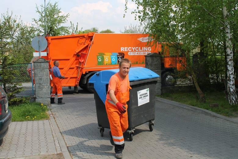Gmina proponuje podwyżkę opłaty za wywóz segregowanych śmieci z 11 zł do 12,50 zł.