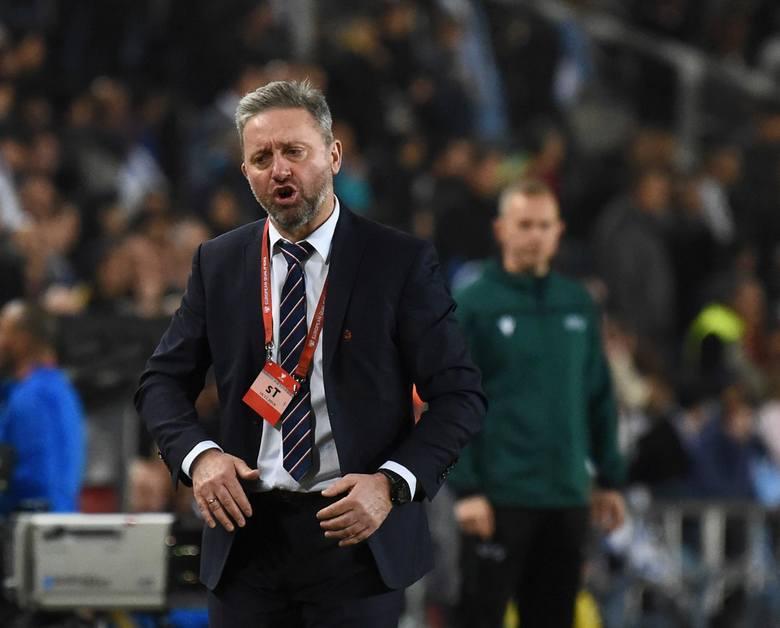 Reprezentacja Polski ma coraz większy problem z kreowaniem gry. Trudno znaleźć choćby jeden dobrze działający schemat podczas spotkań naszej kadry. Póki