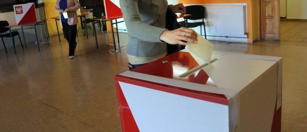 Państwowa Komisja Wyborcza poinformowała o frekwencji do godziny 13